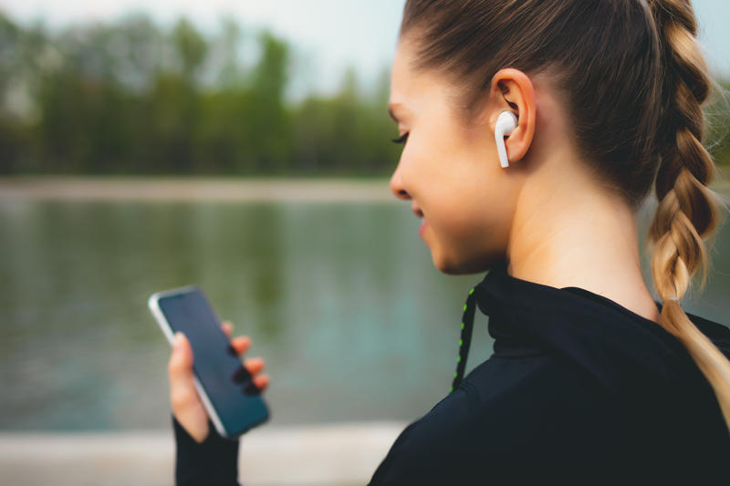 Dobre słuchawki bezprzewodowe do 200 złotych
